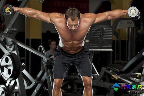 哑铃30分钟帮您练出宽广的肩膀-追梦健身网
