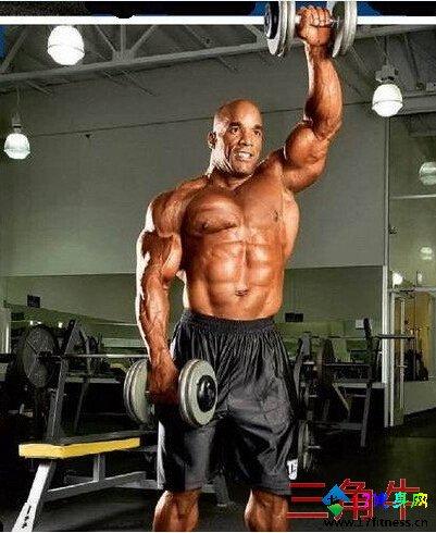猛男肩部肌肉磨炼要领详解-追梦健身网