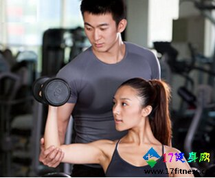 健身教练可以做几年工资是多少