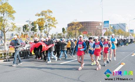超七成人参与健身 半数市民青睐健步走