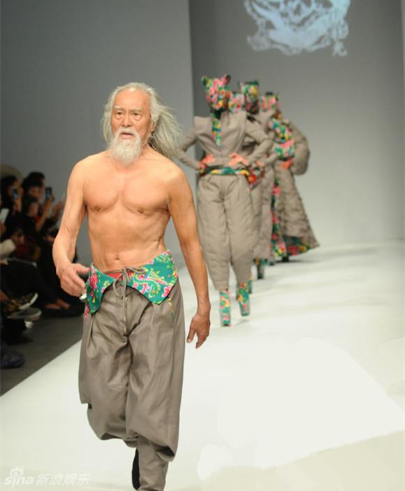 王德顺可爱老爷爷健身、演戏……我喜欢折腾