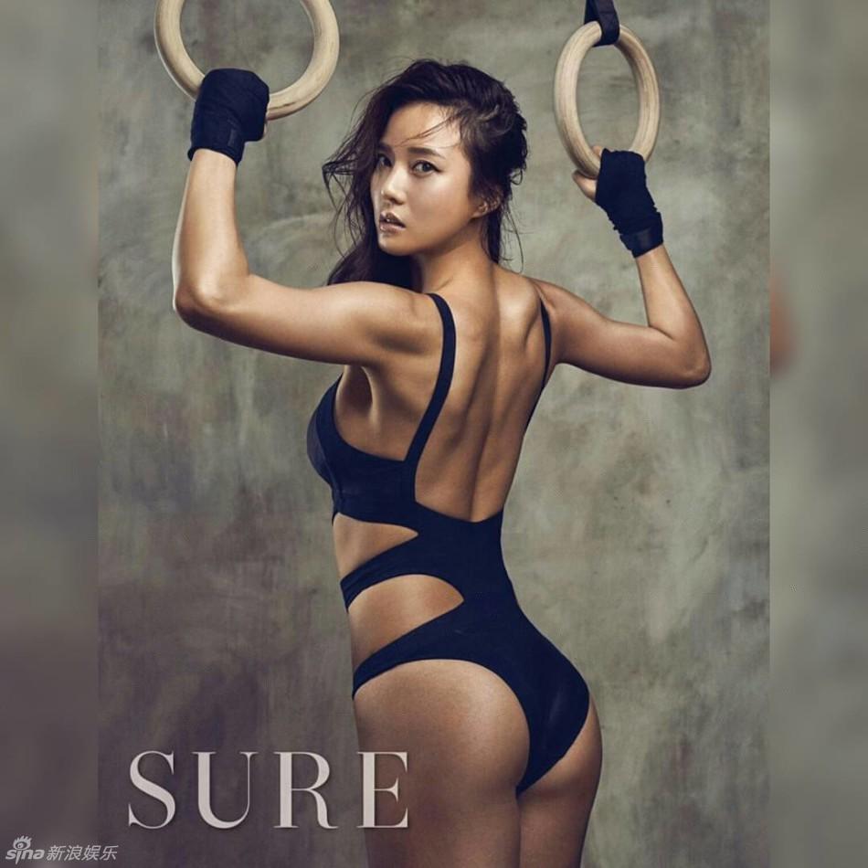 韩人气健身教练前凸后翘 美貌与气质兼备
